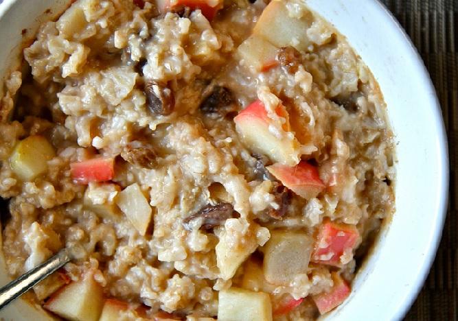 Apple Raisin Oatmeal